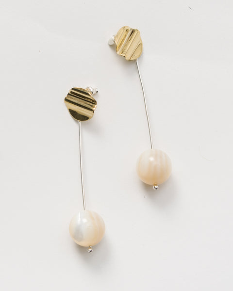 Madre Perla drop earrings
