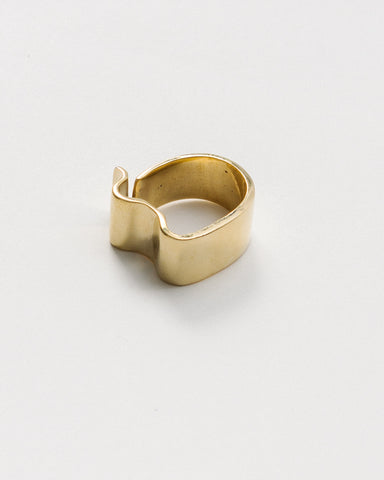 Onda ring in brass