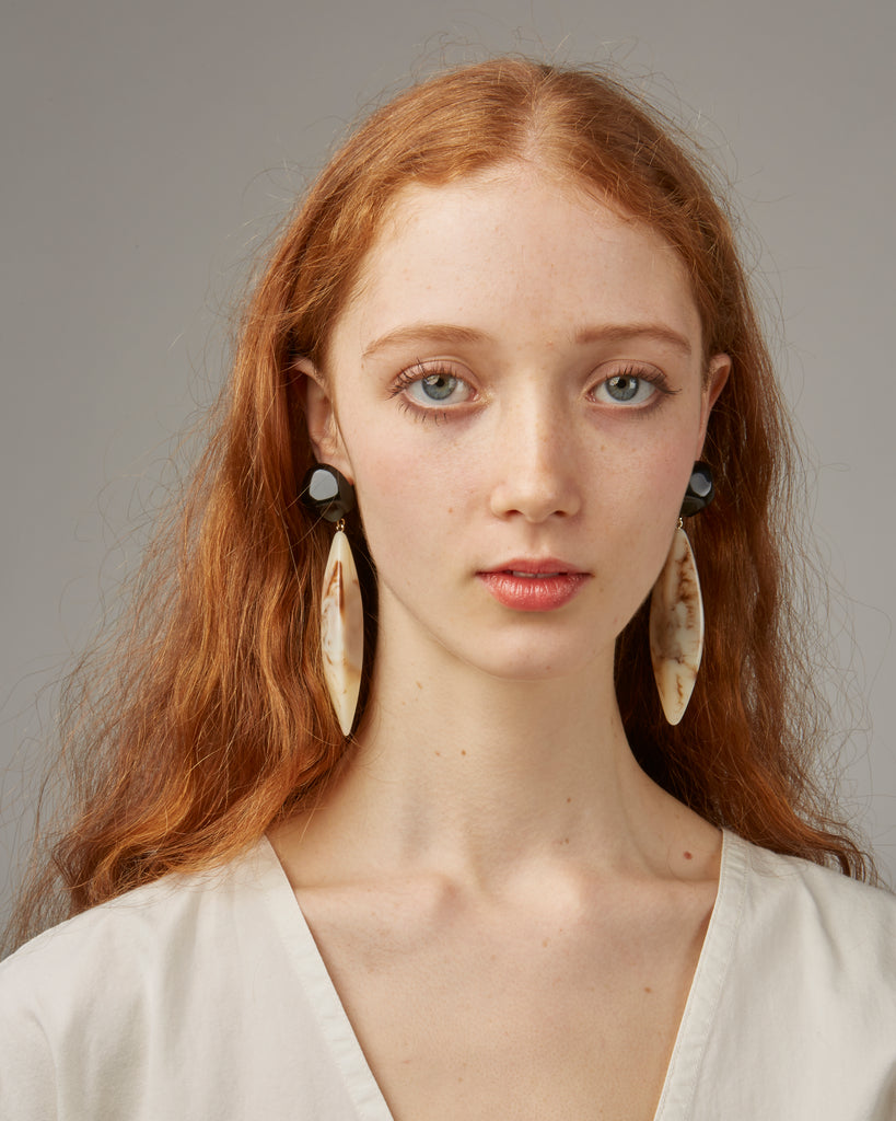 Margot earrings in Ivory
