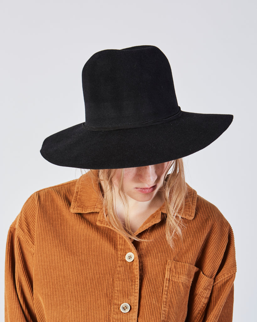 Wide Brim Pinch Hat in Black Angora