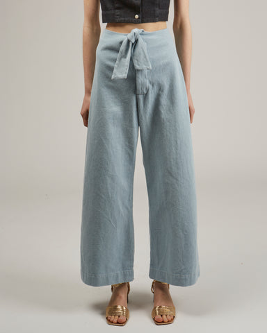 Knotted sailor pants in sky blue