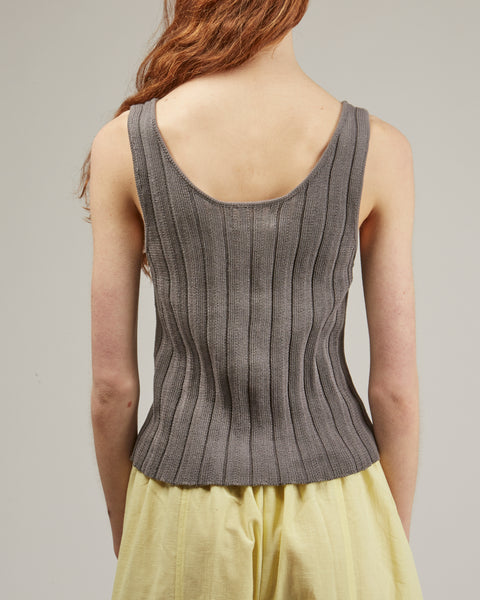 Accordion pleat tank in smoke