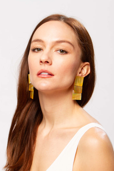 Kahon mother-of-pearl earrings