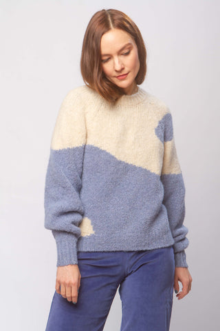 Ying yang sweater in blue and white