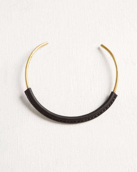 Kiva Necklace in Black - Founders & Followers - Crescioni - 2