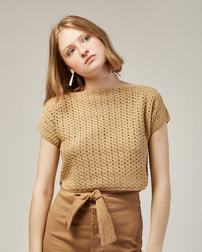 Shout crochet top in Gold