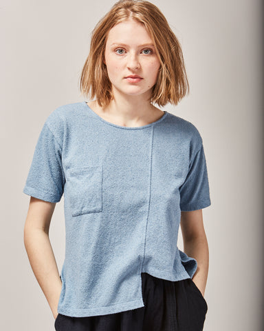 Layer tee in washed denim