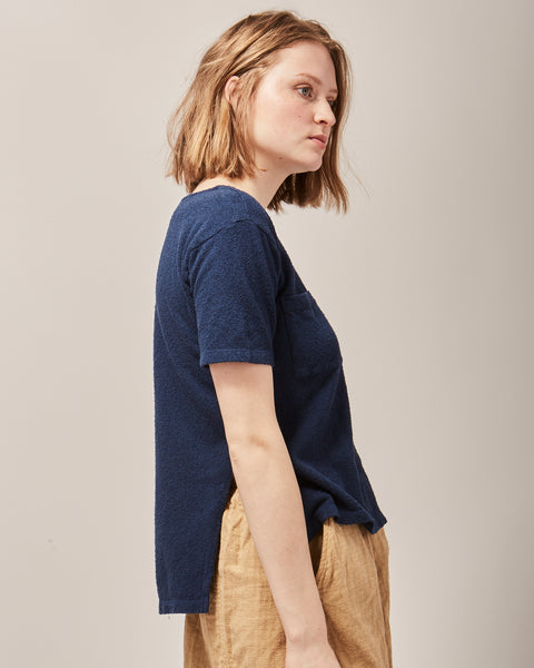 Layer tee in peacock indigo