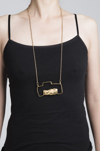 Camera Necklace - Founders & Followers - Ladyluna - 2
