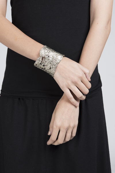 Laced Cuff - Founders & Followers - Ladyluna - 2