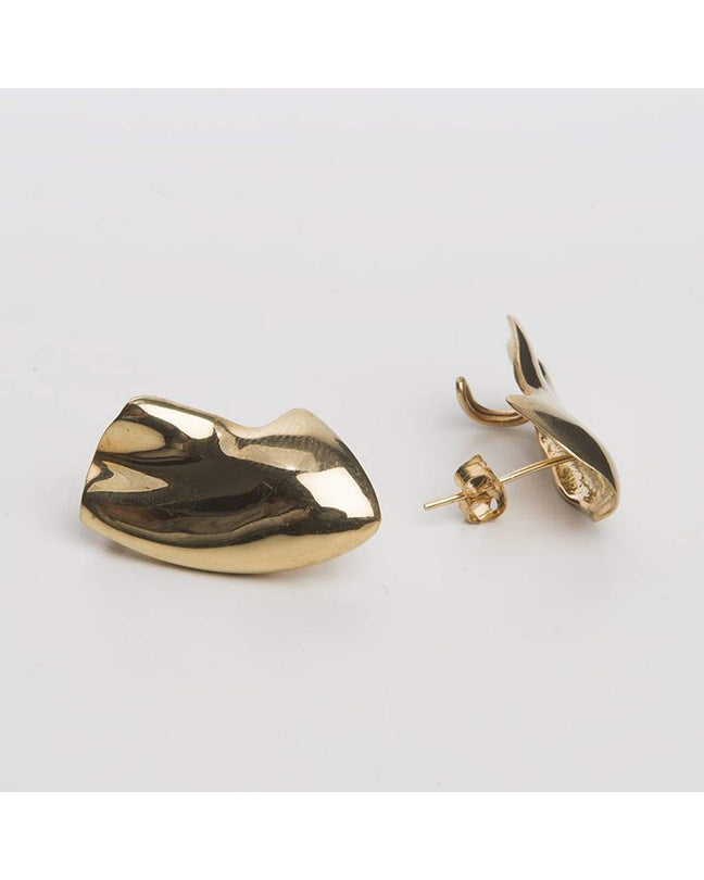Molded Ear lobes earrings in gold