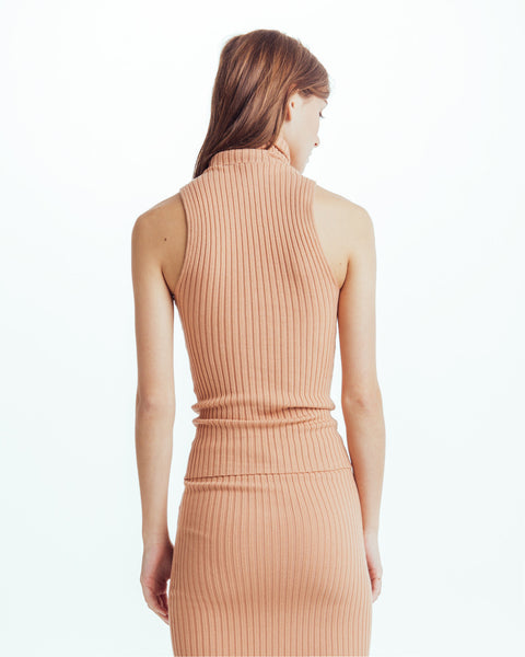 Nonna sleeveless turtleneck in Bandaid - Founders & Followers - Giu Giu - 3