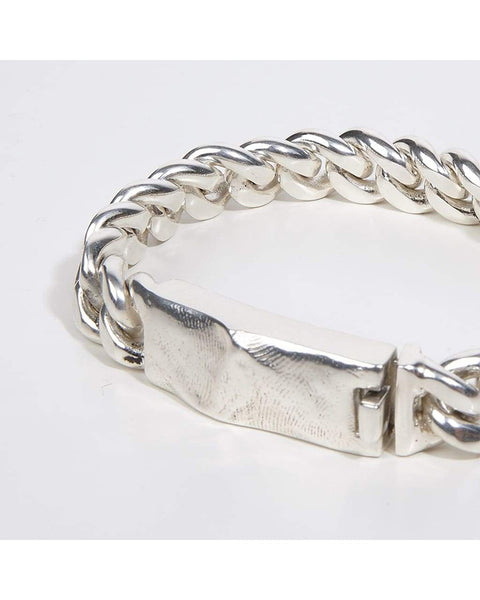 Heavy chain bracelet with molded clasp in silver