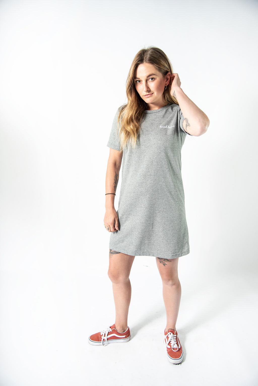 LOCAL LOVE SCRIPT T-SHIRT DRESS GREY