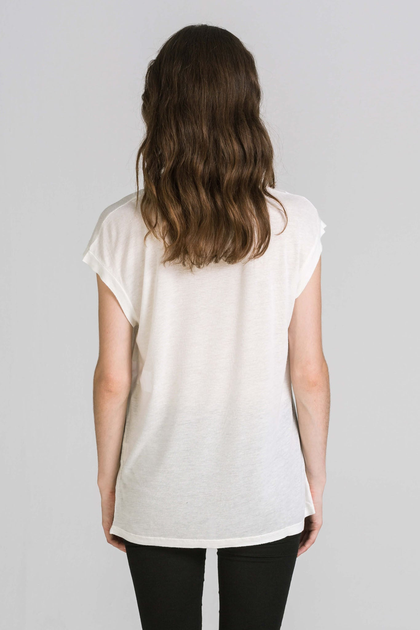 UNIQUE WHITE TEE