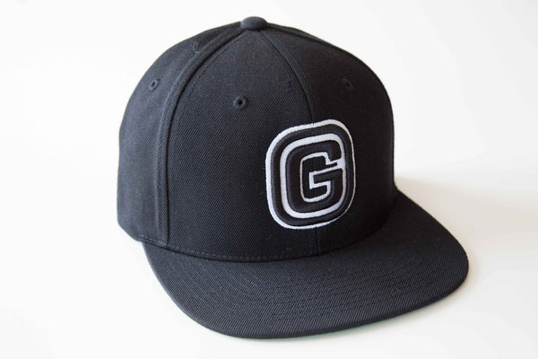 G Baseball Cap | Black & White