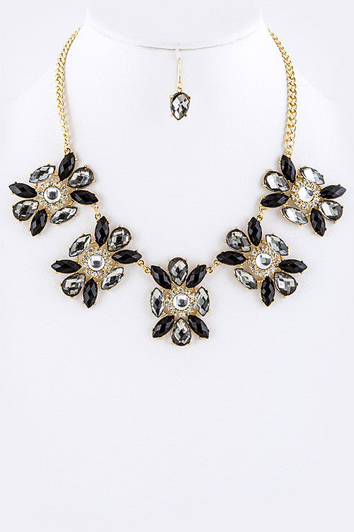 Marquee Flower Necklace Set