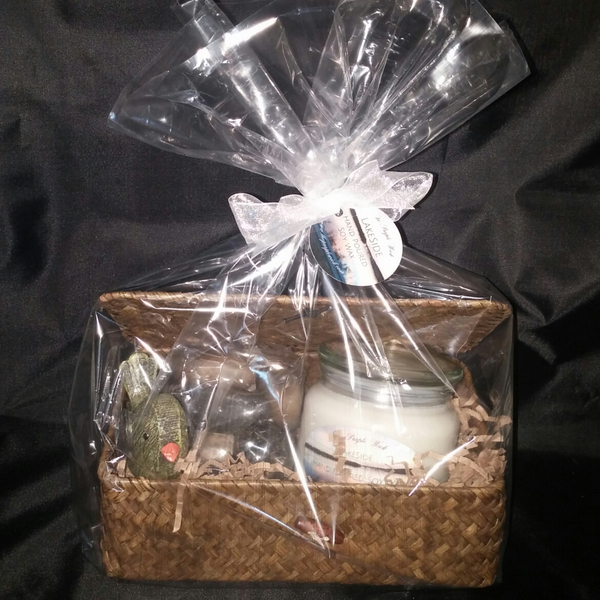 Lakeside Gift Basket