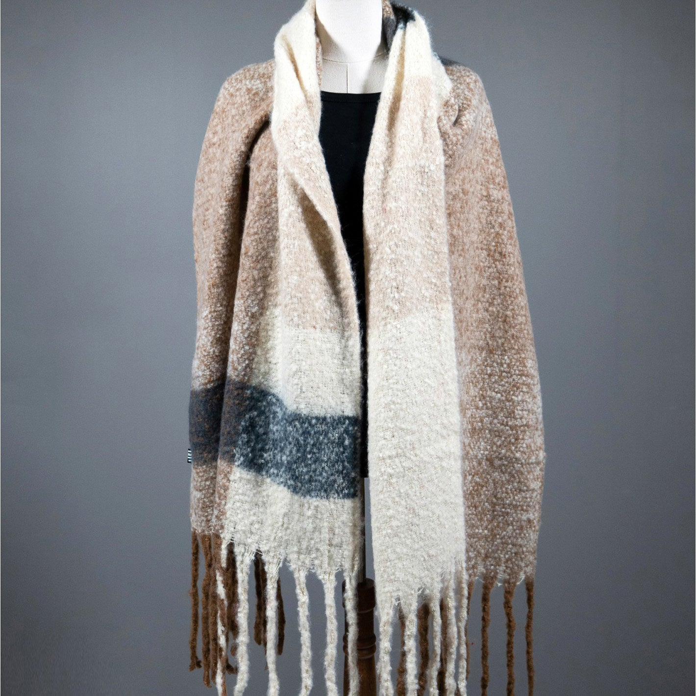 Emma Winter Scarf : Beige