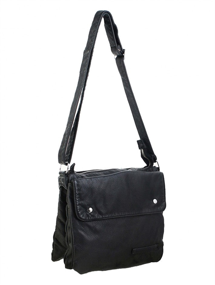 Satchel Crossbody Purse : Black. Faux Leather.