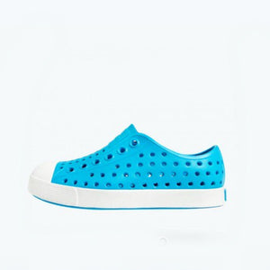 Native - Jefferson Ultra Blue / Shell White Kids Shoes (Toddler 4 - Youth 6) footwear Native