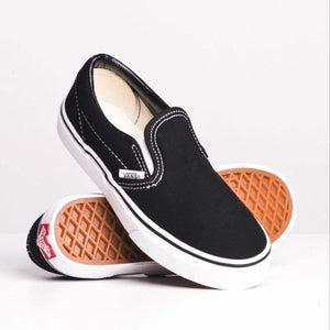 VN000ZBU6BT Vans - Classic Slip On - Black/White (Sizes Kids 10.5 - Youth 4) footwear Vans