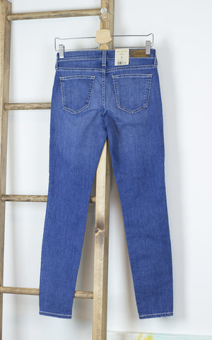 Mid-Rise Comfort Skinny Jeans