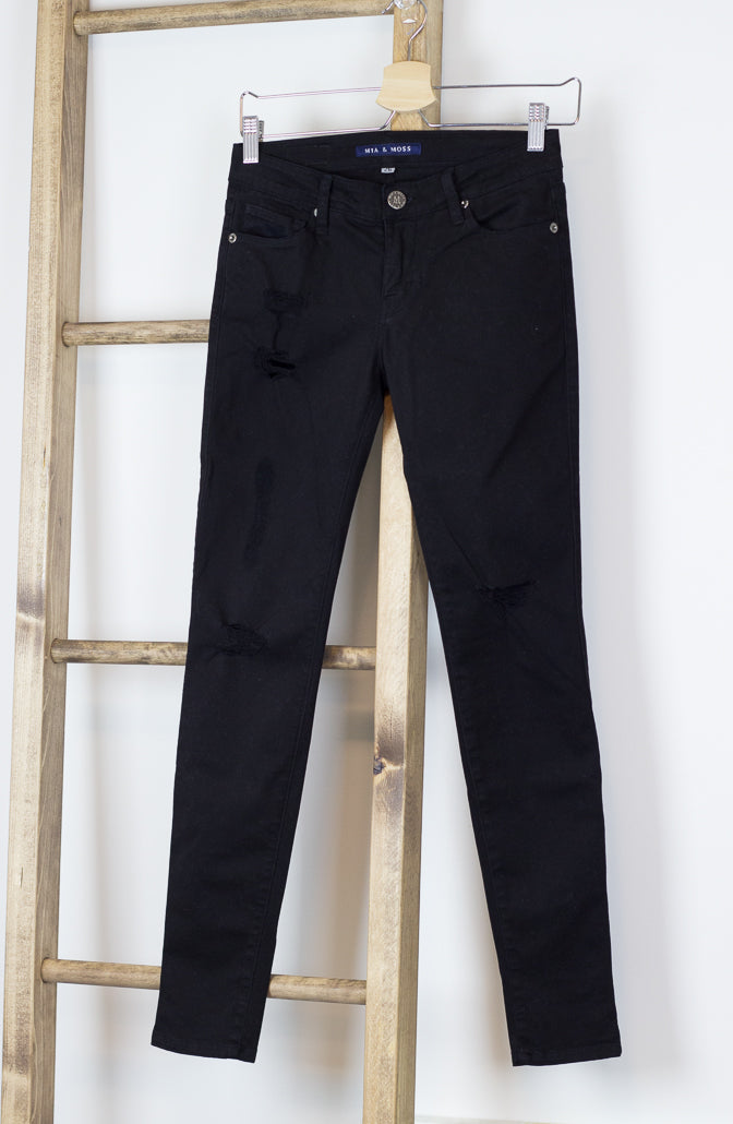 Skinny Black Distressed/Destructed Denim Jeans