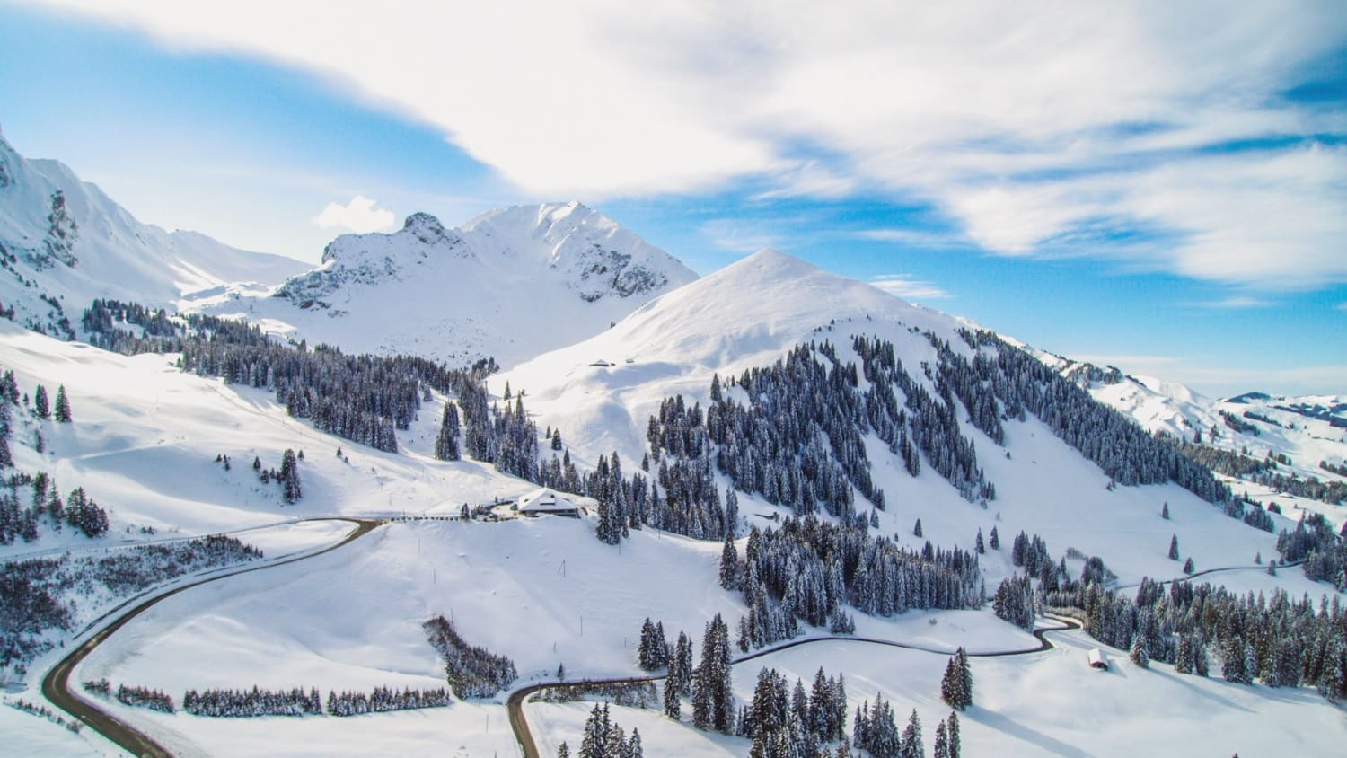 Best Winter Chalets & Hotel Resorts (in the mountains): Top 5 Ski Resorts in Switzerland