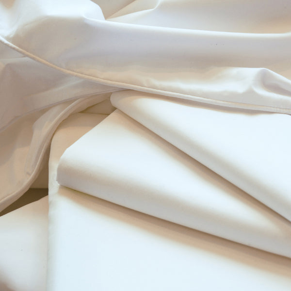 ZayZay-luxury-linen-set-includes-flat-sheet-fitted-sheet-two-pillowcases-and-duvet-cover-Untouched-Snow