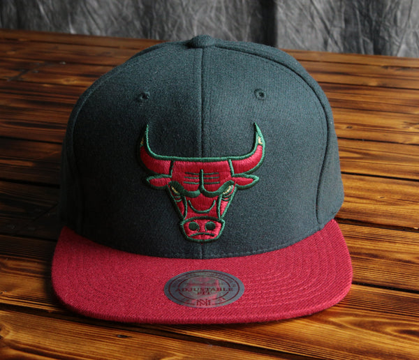 Chicago Bulls Mitchell & Ness Brushed Wool Holiday Snapback Hat