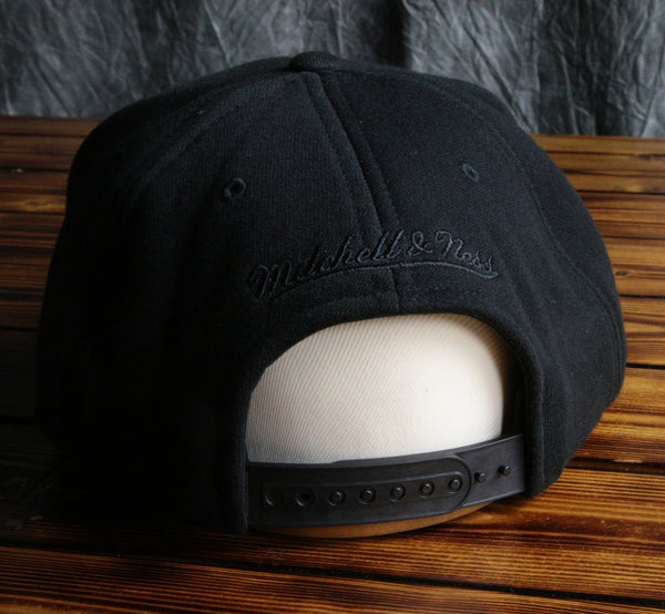 Chicago Bulls Mitchell & Ness Blacked Out Snapback Hat