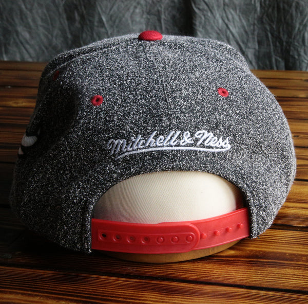 Chicago Bulls Mitchell & Ness Static Snapback Hat