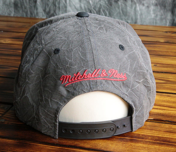 Chicago Blackhawks Mitchell & Ness Crease Triangle Script Snapback Hat