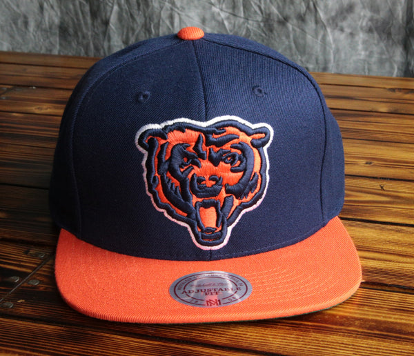 Chicago Bears Mitchell& Ness XL Logo 2-Tone Snapback Hat