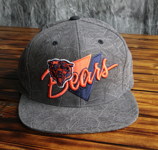 Chicago Bears Mitchell & Ness Crease Triangle Script Snapback Hat