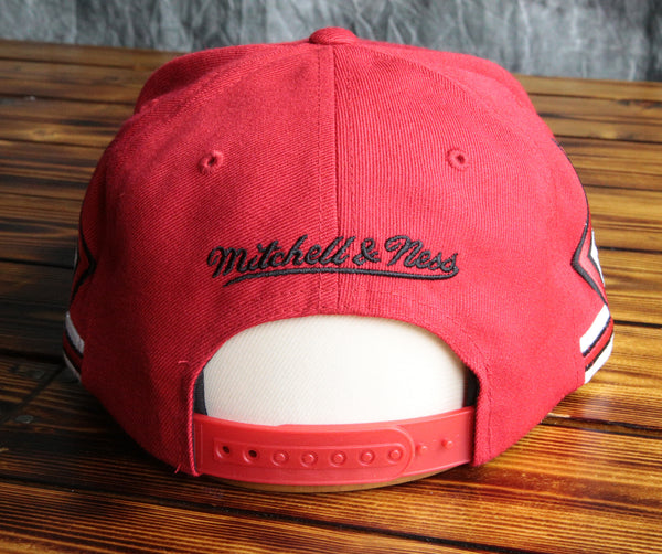 Chicago Bulls Mitchell & Ness Red Blank Front Snapback Hat