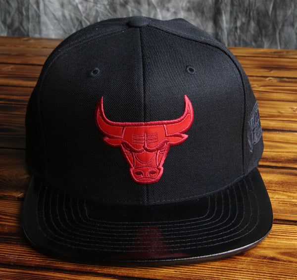 Chicago Bulls Mitchell & Ness Patent Leather Visor Snapback Hat