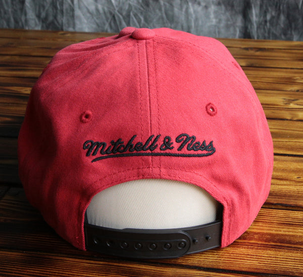 Chicago Bulls Mitchell & Ness Morbido Cotton Slouch Curve Brim Hat