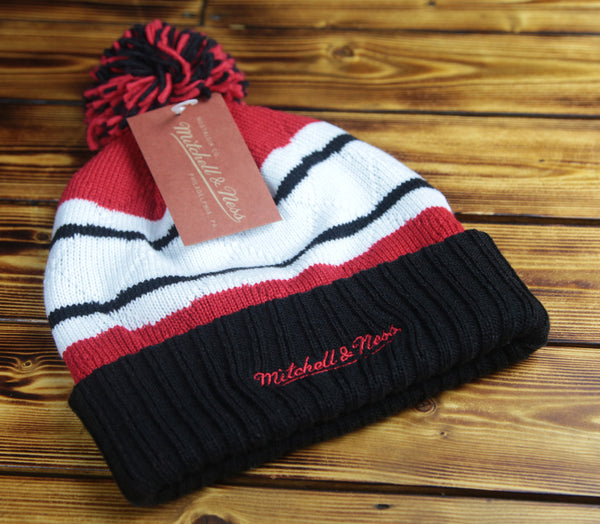 Chicago Blackhawks Mitchell & Ness Quilted Crown Knit Hat