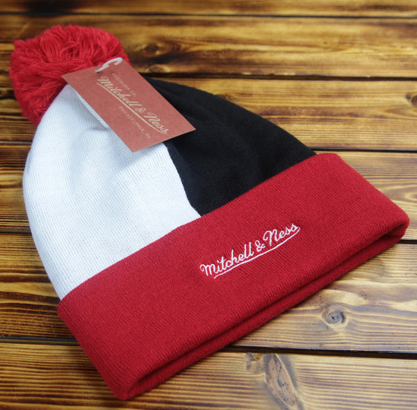 Chicago Blackhawks Mitchell & Ness Over and Back Cuffed Knit Hat