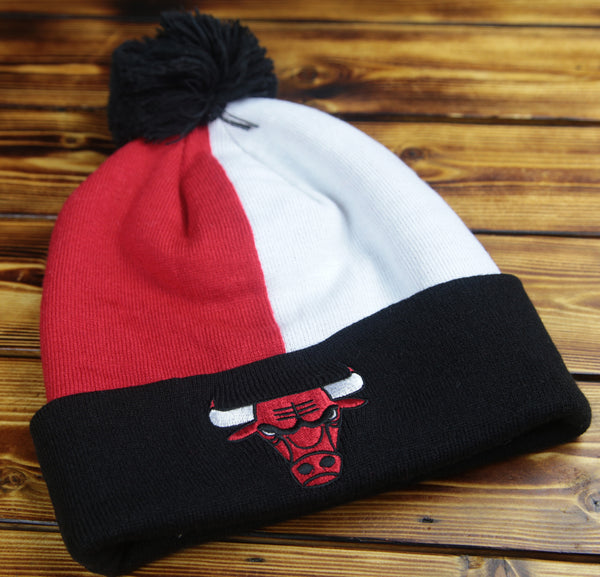 Chicago Bulls Mitchell & Ness Over and Back Cuff Pom Knit Hat