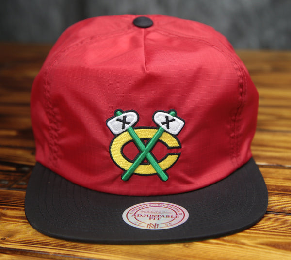 Chicago Blackhawks Mitchell & Ness Nylon Ripstop 2 Tone Zipback