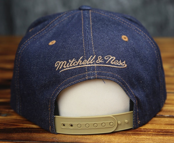 Chicago Bulls Mitchell & Ness Salvage Denim Snapback Hat