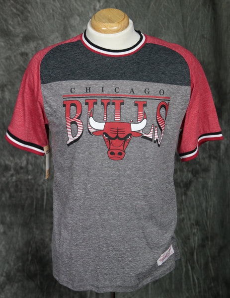 Chicago Bulls Mitchell & Ness Post Up Vintage T-Shirt