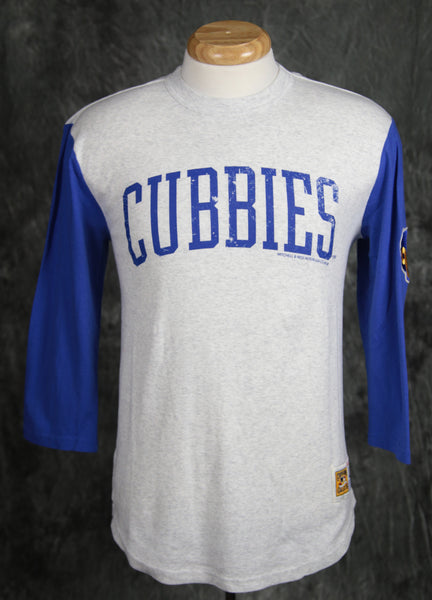 Chicago Cubs Mitchell & Ness Extra Out 3/4 Sleeve Shirt