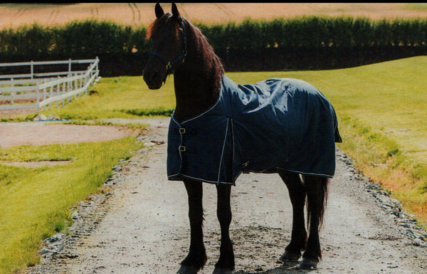 Horze Medium Weight Turnout blanket