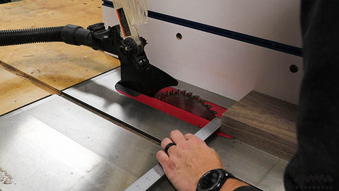cutting-strips-at-table-saw