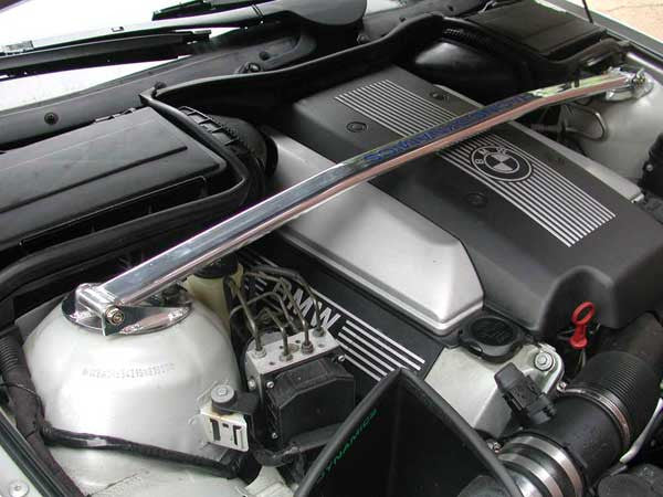 Racing Dynamics Front Strut Bar 1997-2003 BMW 540i (E39)