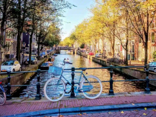 "Amsterdam Ponders 2022 End To ""Stoner"" Tourism 